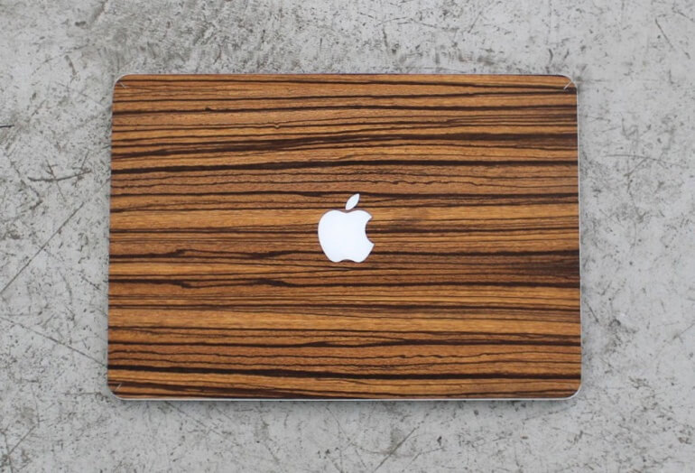 Closed View of the Wood Macbook Cover